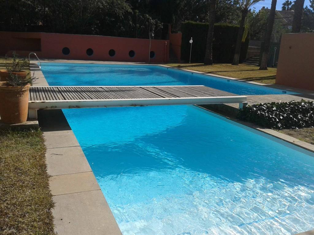 Ampoliester recubrimiento poliester piscinas fibra toboganes for Recubrimientos para piscinas